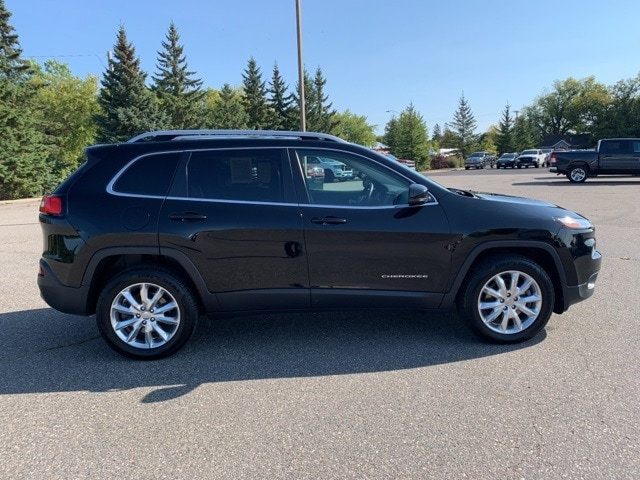 Used 2017 Jeep Cherokee Limited with VIN 1C4PJMDS6HW609469 for sale in Grand Rapids, Minnesota