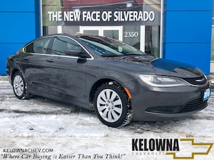 2016 Chrysler 200 LX FWD Bluetooth, Remote Keyless Entry Sedan