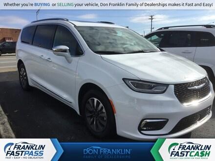 2021 Chrysler Pacifica Hybrid LIMITED Passenger Van