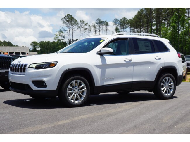 New 2019 Jeep Cherokee LATITUDE FWD Sport Utility Atlanta