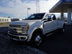 2019 Ford Superduty F-450 Lariat Truck