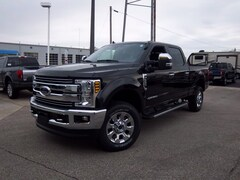 2019 Ford Superduty F-350 Lariat Truck