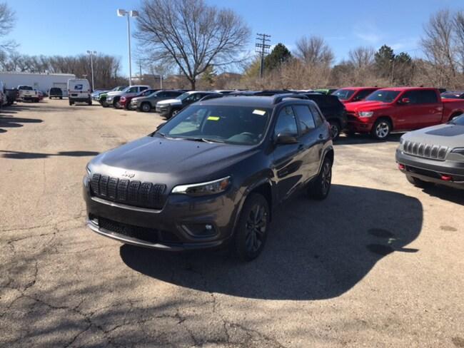 New 2019 Jeep Cherokee HIGH ALTITUDE 4X4 Sport Utility Near Fitchburg