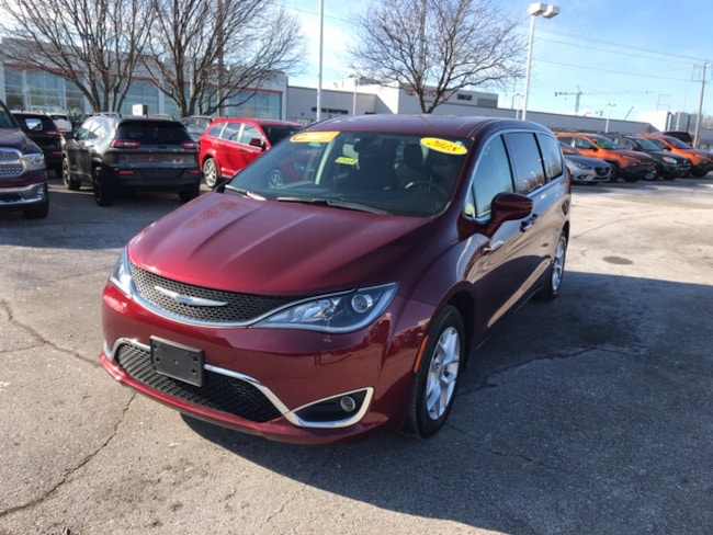 Certified Pre-Owned 2018 Chrysler Pacifica Touring Plus Van Madison WI
