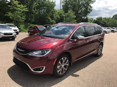 2020 Chrysler Pacifica LIMITED Passenger Van Madison WI