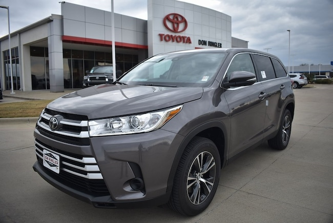 New 2019 Toyota Highlander LE V6 SUV for sale in Temple, TX