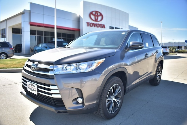New 2019 Toyota Highlander LE Plus V6 SUV for sale in Temple, TX