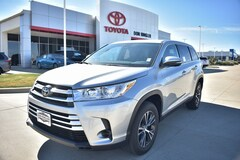 New 2019 Toyota Highlander LE V6 SUV for sale in Temple TX