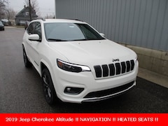 new 2019 Jeep Cherokee HIGH ALTITUDE 4X4 Sport Utility for sale in cadillac mi