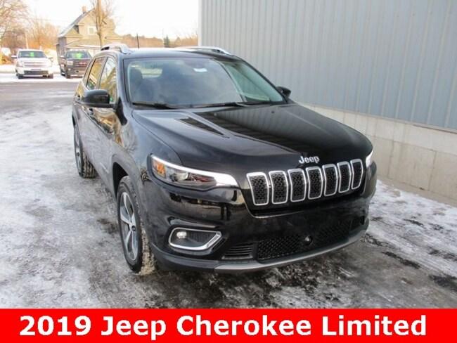 New 2019 Jeep Cherokee LIMITED 4X4 Sport Utility in Cadillac, MI