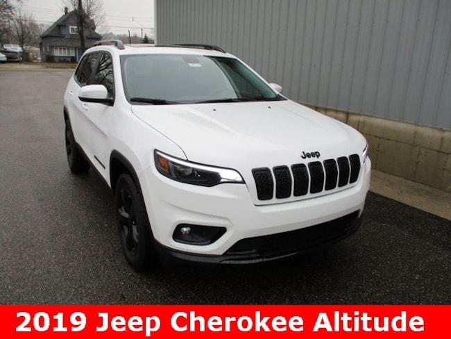 New 2019 Jeep Cherokee ALTITUDE 4X4 Sport Utility in Cadillac, MI