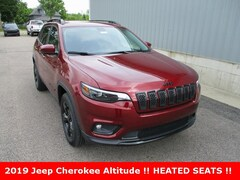 new 2019 Jeep Cherokee ALTITUDE 4X4 Sport Utility for sale in cadillac mi