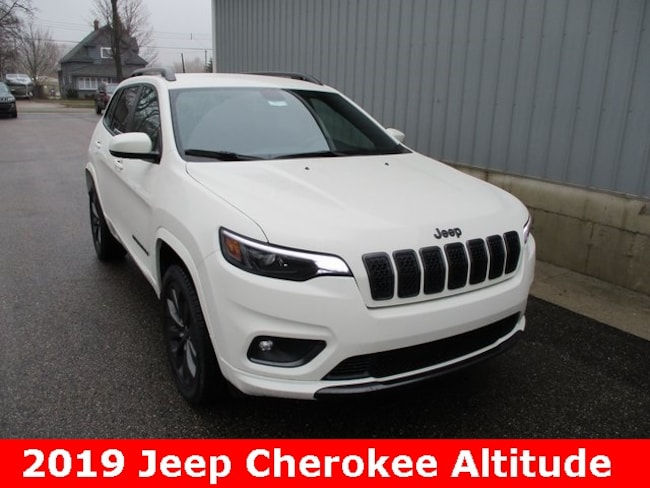New 2019 Jeep Cherokee HIGH ALTITUDE 4X4 Sport Utility in Cadillac, MI