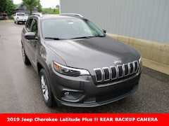 new 2019 Jeep Cherokee LATITUDE PLUS 4X4 Sport Utility for sale in cadillac mi