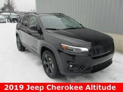 New 2019 Jeep Cherokee ALTITUDE 4X4 Sport Utility 1C4PJMLB5KD389813 for sale in cadillac mi