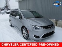 Used 2018 Chrysler Pacifica Limited Minivan/Van 2C4RC1GG1JR149001 for sale in cadillac mi