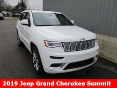 New 2019 Jeep Grand Cherokee SUMMIT 4X4 Sport Utility 1C4RJFJG8KC554181 for sale in cadillac mi