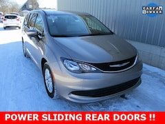 Used 2017 Chrysler Pacifica Touring Minivan/Van 2C4RC1DG9HR611609 for sale in cadillac mi