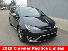 New 2019 Chrysler Pacifica LIMITED Passenger Van 2C4RC1GGXKR635906 for sale in cadillac mi