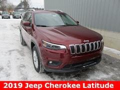 New 2019 Jeep Cherokee LATITUDE 4X4 Sport Utility 1C4PJMCB1KD364066 in Cadillac, MI