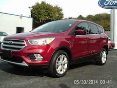 2017 Ford Escape SE Four-Wheel Drive with Locking and Limited-Slip Dif