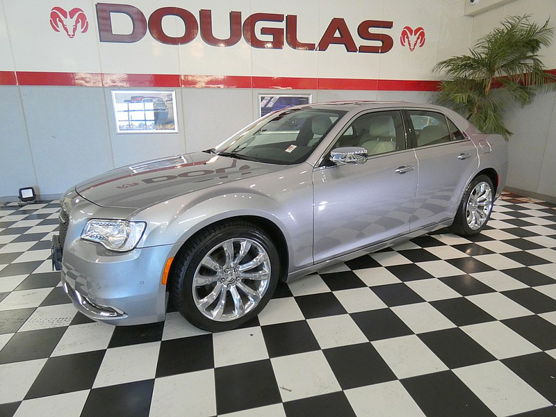 2018 Chrysler 300 Limited Full-Size Car
