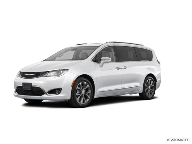 2019 Chrysler Pacifica LIMITED Passenger Van for Sale in East Hanover, NJ