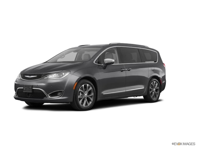 2019 Chrysler Pacifica TOURING L Passenger Van for Sale in East Hanover, NJ