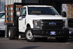 2019 Ford F-350 Chassis XL DRW Truck Regular Cab 1FDRF3GT6KEC43871