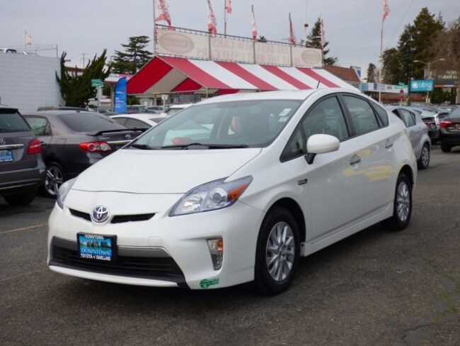 2013 Toyota Prius Plug-in Hatchback