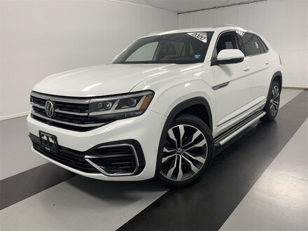Featured used 2020 Volkswagen Atlas Cross Sport 3.6L V6 SEL Premium R-Line 4MOTION SUV for sale in Cicero, NY