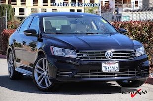 2017 Volkswagen Passat 1.8T R-Line Sedan