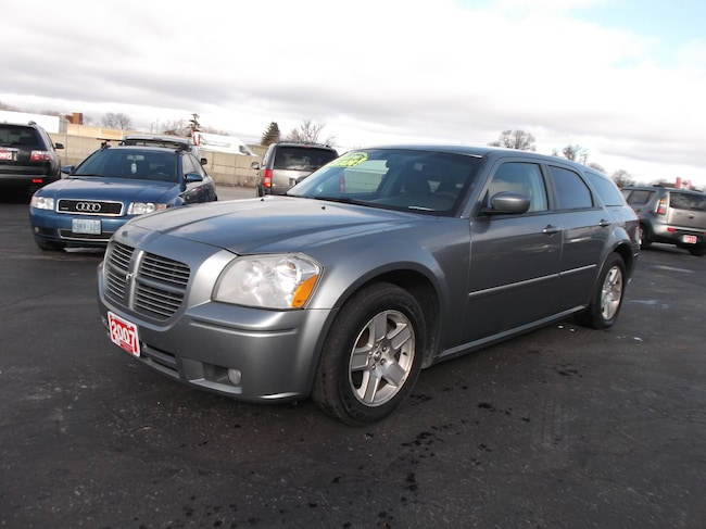 2007 Dodge Magnum SXT LIKE NEW IN AND OUT Hatchback