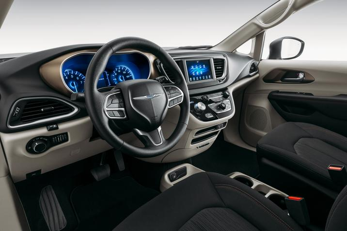 2020 Chrysler Voyager Beacon NY