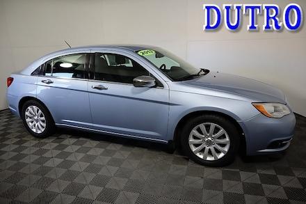 2013 Chrysler 200 Limited Mid-Size Car