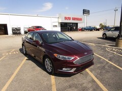 Used 2017 Ford Fusion SE Sedan for sale in Decatur, IL
