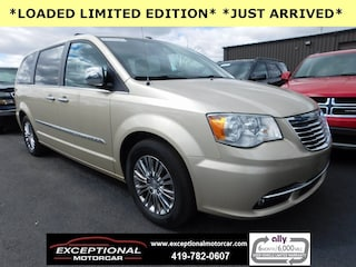 Used Vehicles for sale 2011 Chrysler Town & Country Limited Van LWB Passenger Van in Defiance, OH
