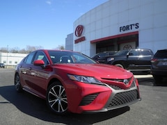 New 2019 Toyota Camry for sale in Pekin