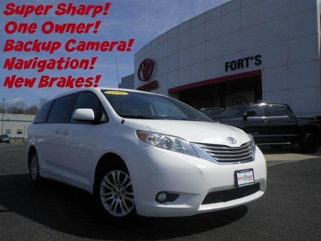 Used 2012 Toyota Sienna XLE V6 8 Passenger Van For Sale in Pekin, IL