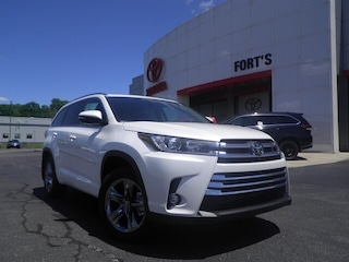 New 2019 Toyota Highlander For Sale in Pekin IL