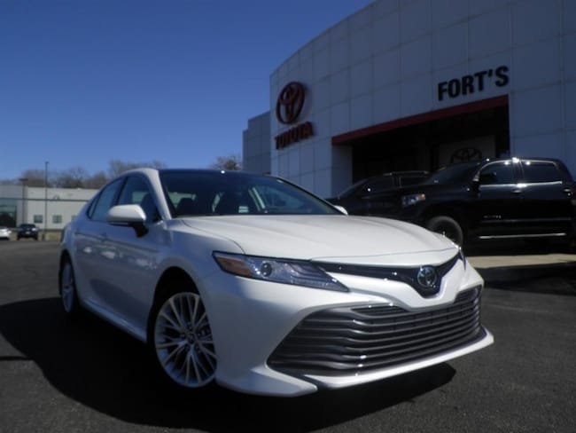 New 2019 Toyota Camry XLE Sedan For Sale in Pekin, IL