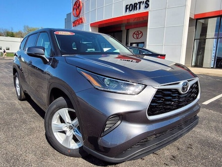 Featured new 2021 Toyota Highlander L SUV for sale in Pekin, IL