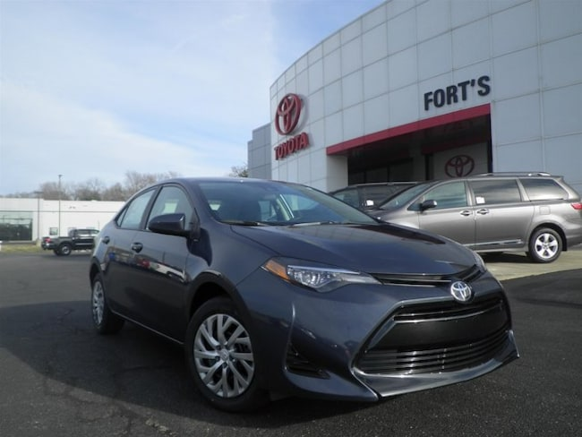 New 2019 Toyota Corolla XSE Sedan For Sale in Pekin, IL
