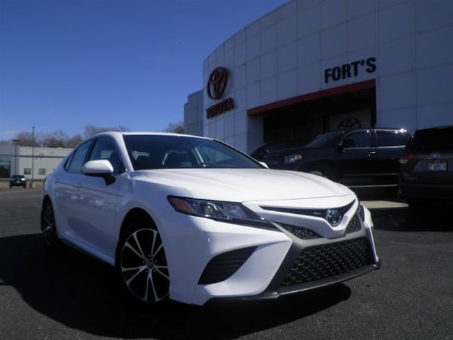 New 2019 Toyota Camry SE Sedan For Sale in Pekin, IL