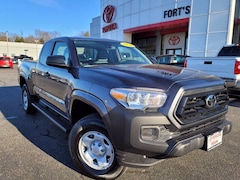 used 2020 Toyota Tacoma for sale in Pekin, IL