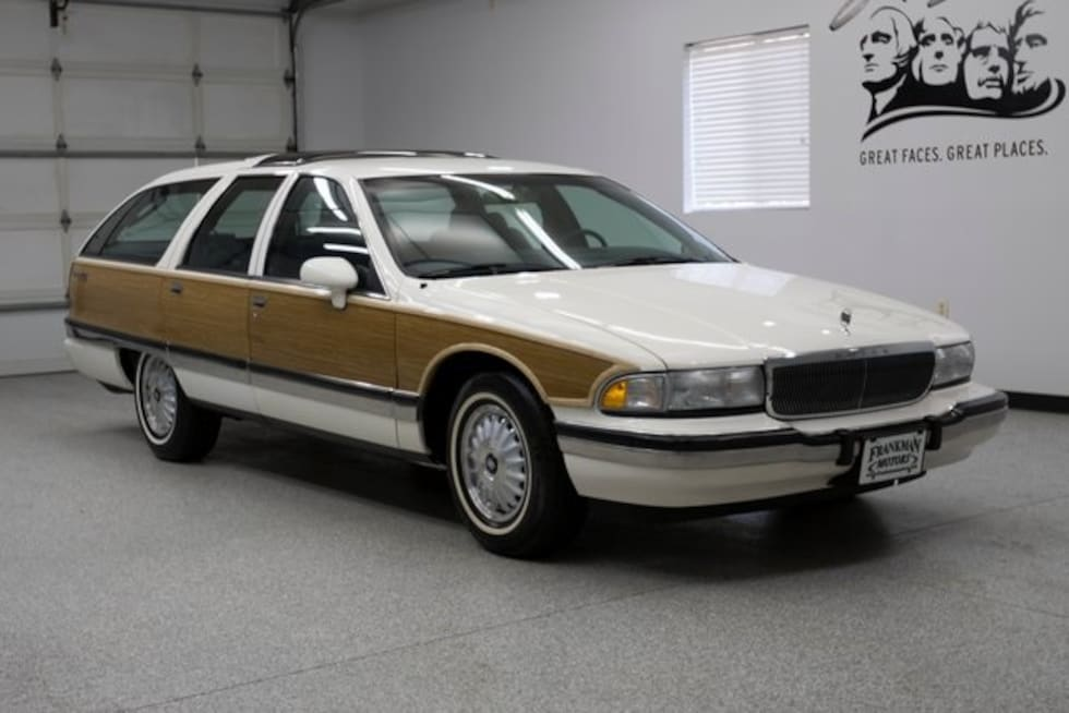1991 Buick Roadmaster Estate Wagon Classic Car For Sale in Sioux Falls, South Dakota