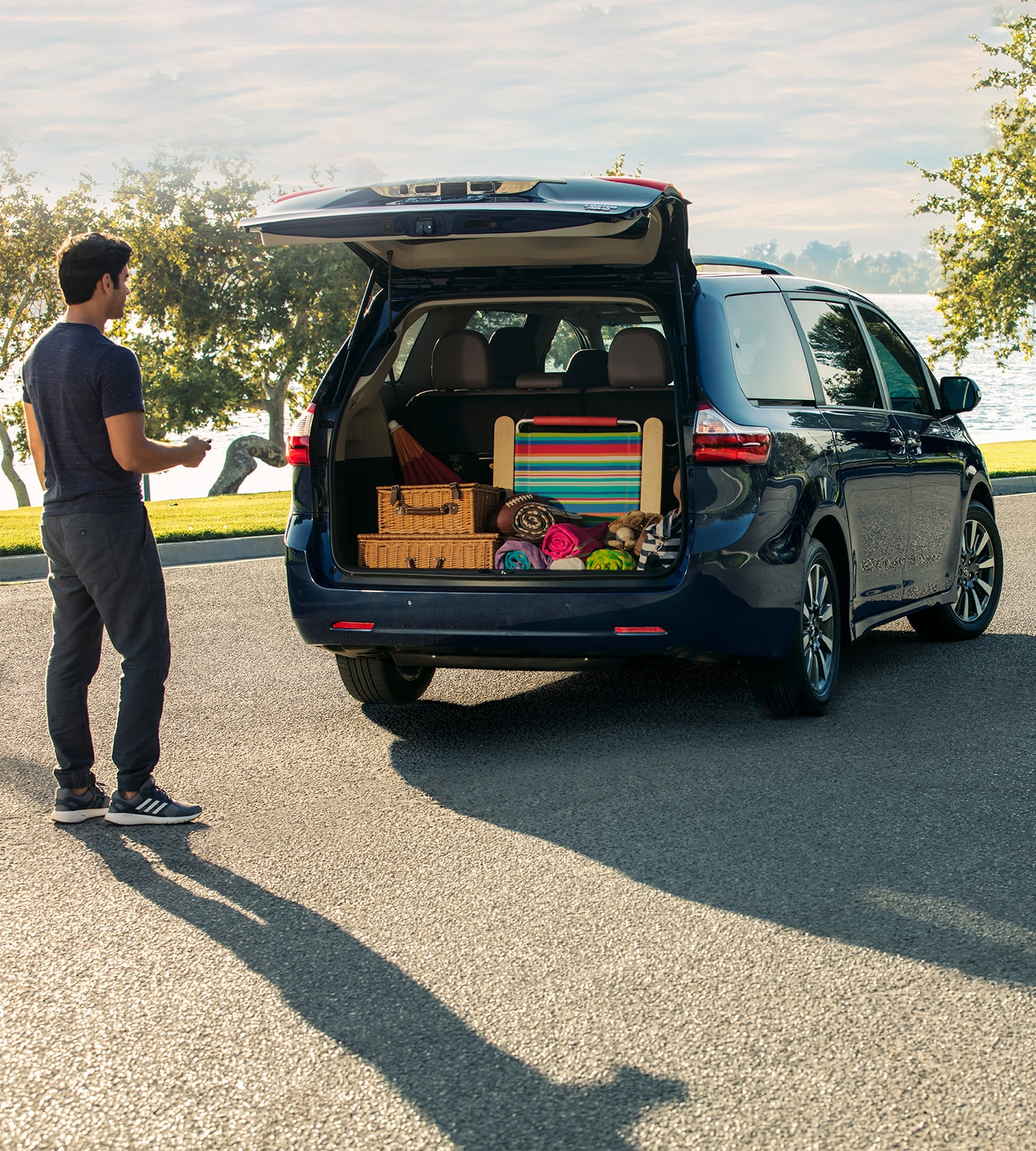 Cargo loaded into trunk of Toyota Sienna