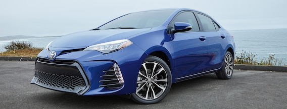What features does the 2018 Toyota Corolla have? | Johnstons