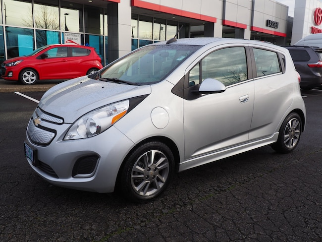 2015 chevy spark 1lt features