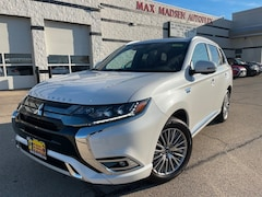 New 2020 Mitsubishi Outlander PHEV GT CUV JA4J24A58LZ038831 for sale in Aurora, IL at Max Madsen's Aurora Mitsubishi